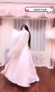#我怎么这么好看  @甜品公主?? 长发与衣袂翩飞,整个人灵动的如没同九重天上的仙子