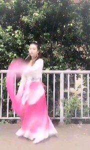 #性感不腻的热舞  @?恋恋?~ 哪里偷跑出来的小仙女,简直美到爆