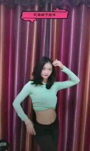 #性感不腻的热舞 #主播的高光时刻  @多肉葡萄妹妹? 这段舞蹈这身服装真是大秀身材,配上她的甜美笑容简直无敌了