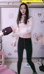 #性感不腻的热舞 #主播的高光时刻  @小橘子?♂️ 俏皮可爱的舞蹈,溢出屏幕的大长腿,哇,小姐姐太可爱了些吧