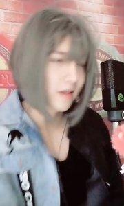 @尹先宇(137784375)带上假发,就没有女生什么事儿了,一般的女生没我好看!还真是好漂亮的小...哥哥?我惊了..