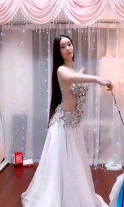 @甜品公主?? @花椒热点 这舞蹈也太美了吧!!
