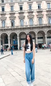 我在马赛的广场留个影? #带着花椒去旅行