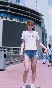 过街天桥上的跳舞机? #OK 躁起来