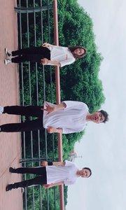 这段时间深圳黄色预警,暴雨天气,刚拍完视频回去就下雨,幸好幸好