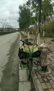 #十二月打卡赛 广西钦州 骑了二十公里的水泥沙石混合路 终于骑完了 我的爱车都快成泥车了#又嗨又野在玩乐
