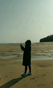 北海涠洲岛贝壳沙滩赶海了#你的城市有多冷 #生活明朗万物可爱
