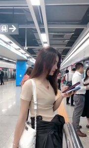 下班回家,深圳地铁求偶遇,下一站,世界之窗,速度追来。。。。。