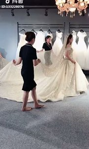 给我不一样的婚纱,我就给你不一样的我喔