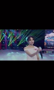 妍baby(花椒ID:125730382)一首《后来》勾起了无限回忆,一袭白裙,多像年轻时初恋的那个她