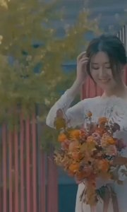 新娘自己主持婚礼。看哭了