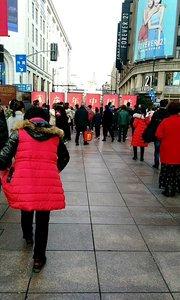 大年初二的上海南京路步行街