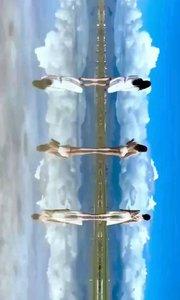 云南天空之镜,抚仙湖在玉溪市澄江县,最深处达150多米,清澈但不见底,是中国最大的深水型淡水湖泊
