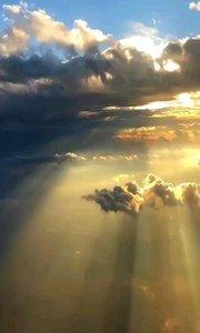 天堂云海很美