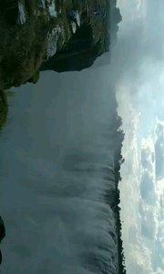 马蹄瀑布(英语:Horseshoe Falls,也称作加拿大瀑布),是北美洲尼亚加拉大瀑布的一部分,属于尼亚加拉河。