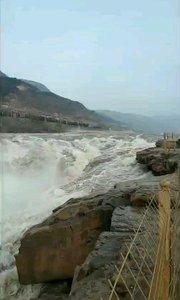 """壮观的长江三峡:长江发源于""""世界屋脊""""——青藏高原的唐古拉山脉各拉丹冬峰西南侧,是中华民族的母亲河。"""