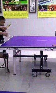 科小宝第一次让粑粑带他打球,提出表扬???????